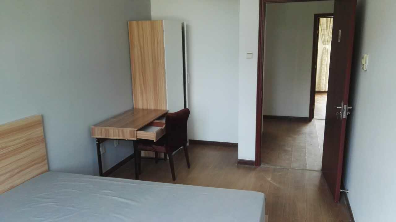 【合租】缤纷南国沐风居4室1厅RoomB