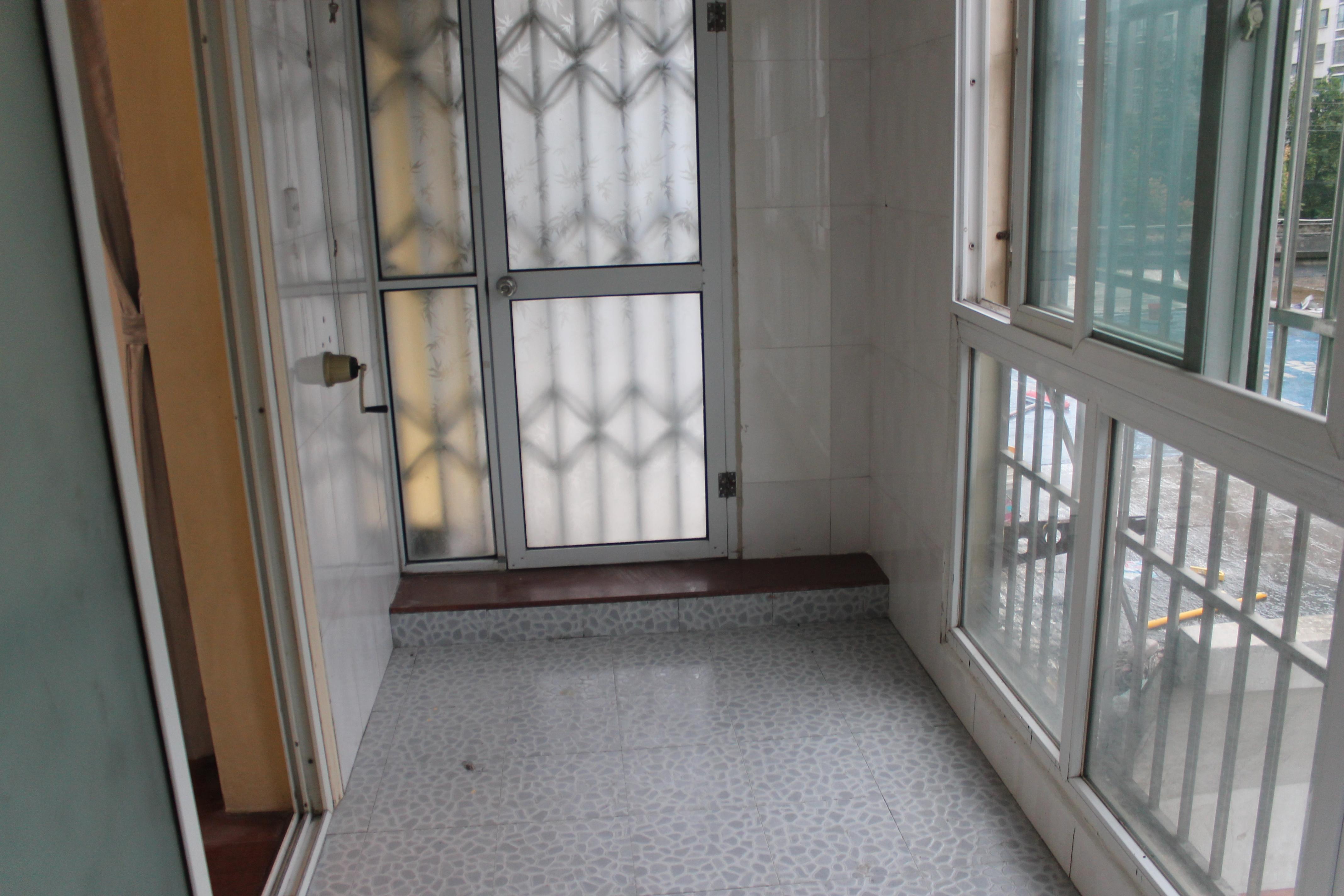 【合租】学林雅苑5室1厅RoomE