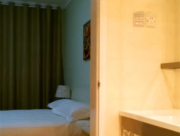 【合租】阳光帝景5室1厅次卧