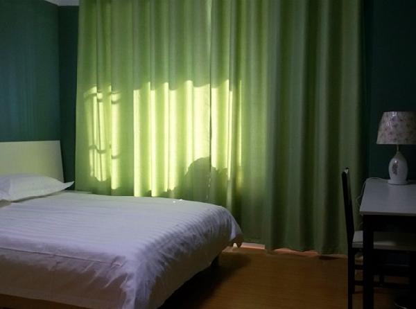 【合租】商城小区5室1厅主卧