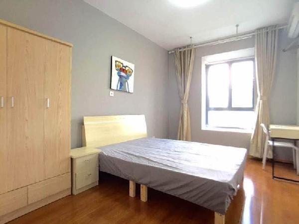 【合租】白鹭花园莺歌苑3室1厅主卧