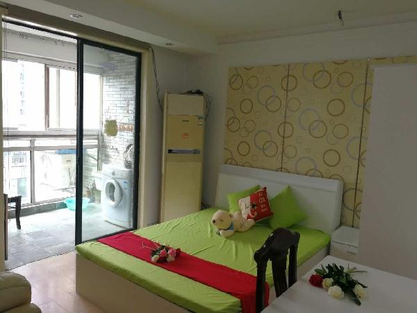【合租】大地豪庭5室2厅次卧2