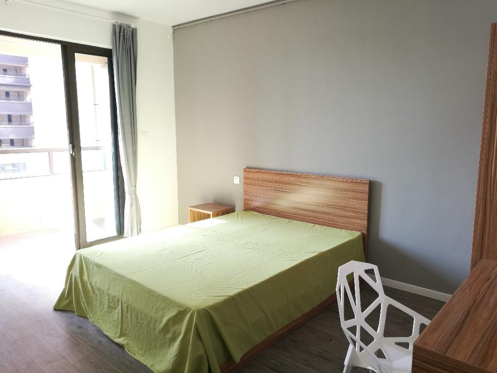 【合租】万达茂4室1厅房间1