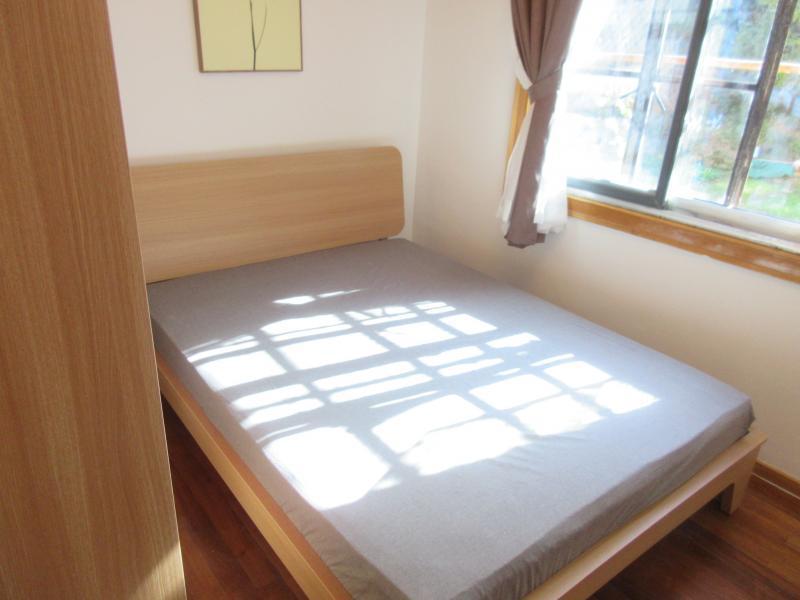 【合租】秦淮区长乐公寓2室主卧