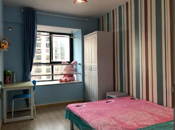 【合租】奥林花园4室2厅次卧