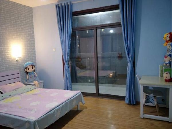 【合租】利港银河新城3室2厅客厅隔断