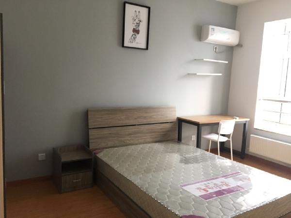 【合租】滨湖世纪城徽贵苑3室2厅次卧