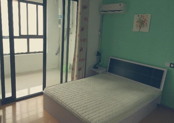 【合租】滨湖万达揽湖苑6室1厅特色房(可做饭可淋浴)