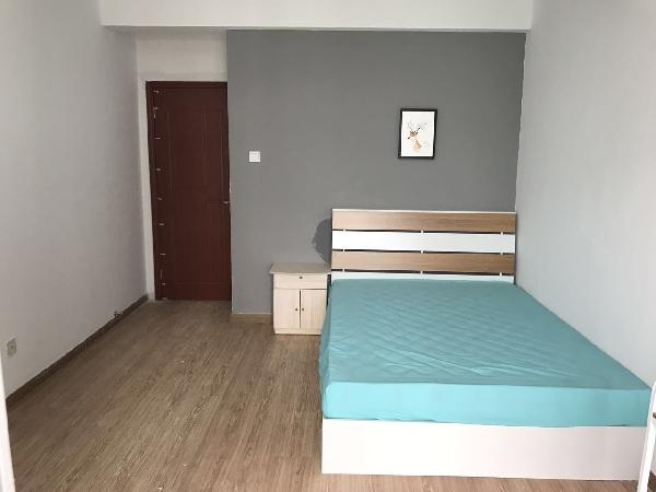 【合租】丁香家园3室1厅主卧