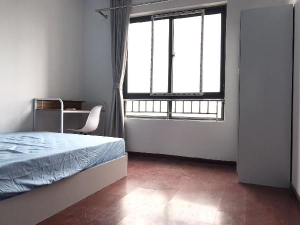 【合租】港汇广场3室1厅1