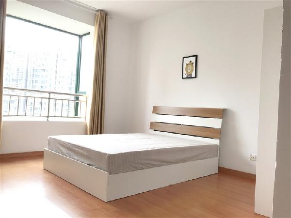 【合租】颐园世家4室2厅3