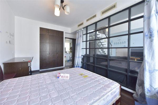 【合租】万邦都市花园5室2厅丙