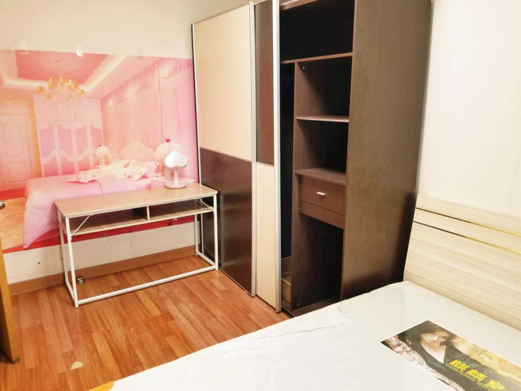 【合租】新梅广场4室2厅乙