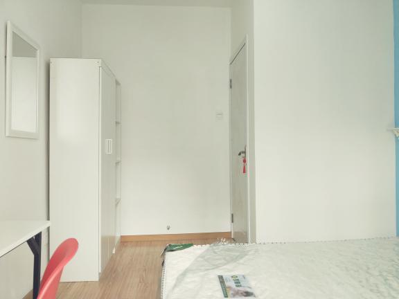 【合租】方兴南园3室1厅4